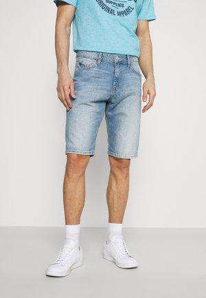 JOSH - Denim shorts - light stone wash denim