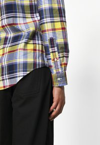 Polo Ralph Lauren - SLIM FIT PLAID OXFORD SHIRT - Shirt - yellow/blue multi - 5
