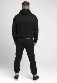 SIKSILK - OVERHEAD HOODIE - Sweatshirt - black - 2