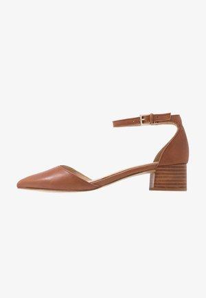 ZULIAND - Classic heels - medium brown