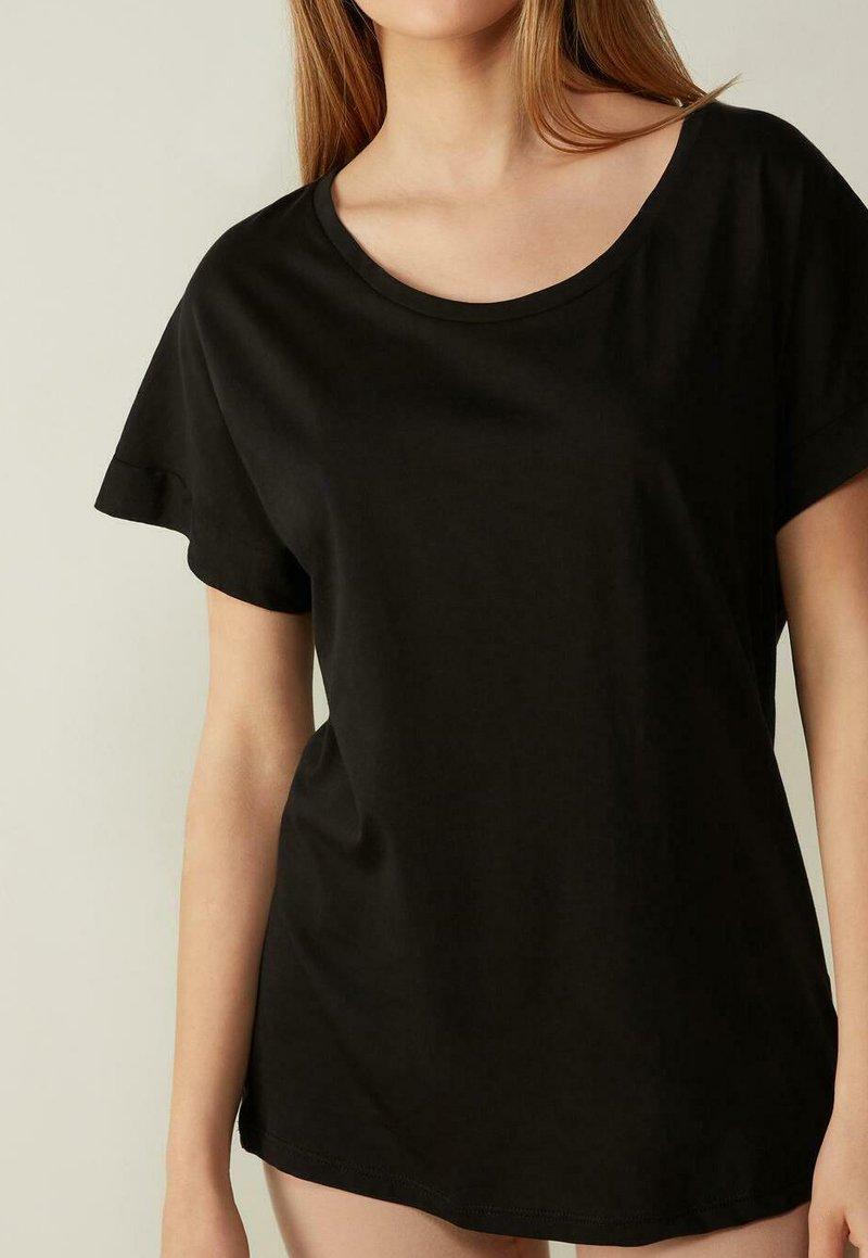 Intimissimi - MIT UNTERLEGTEN KA - Basic T-shirt - nero