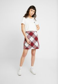 Abercrombie & Fitch - PLAID STRUCTURE MINI - A-line skjørt - red/white - 1