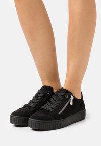 Marco Tozzi - Sneakers laag - black - 0