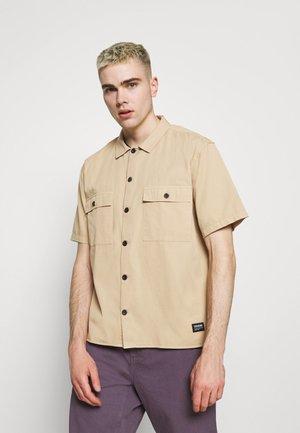 JOEL WORKER SHIRT - Overhemd - sand