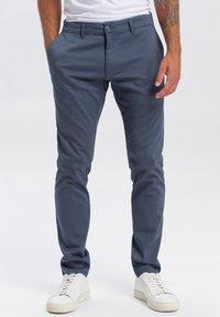 Cross Jeans - Chinos - blau-strukturiert - 0