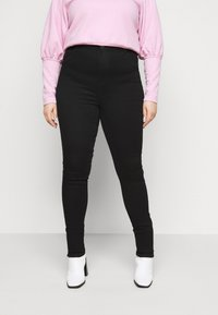 ONLY Carmakoma - CAROP LIFE SUPER - Jeans Skinny Fit - black - 0