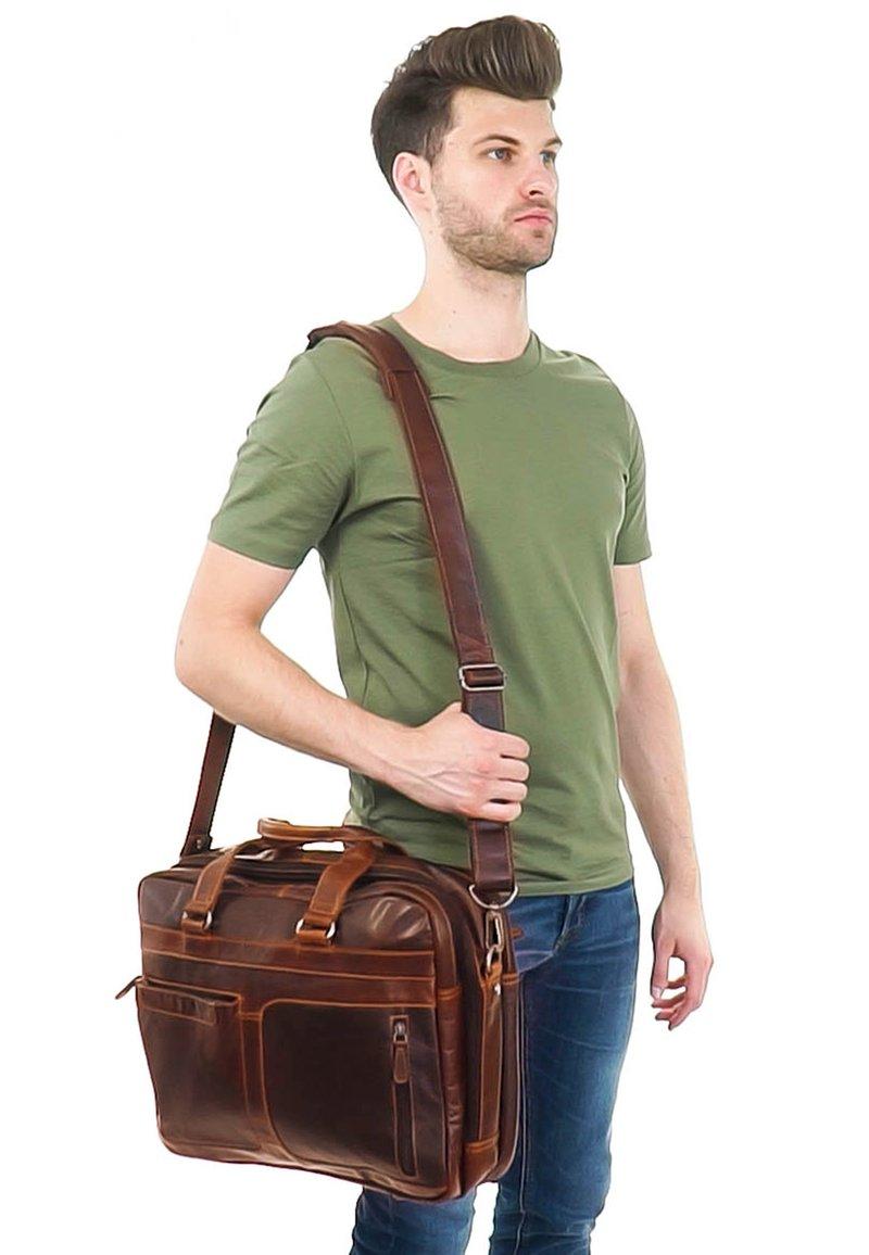 Gusti Leder - Laptop bag - dunkelbraun