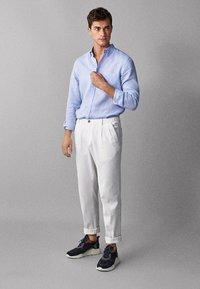 Massimo Dutti - IM REGULAR-FIT - Shirt - light blue - 0