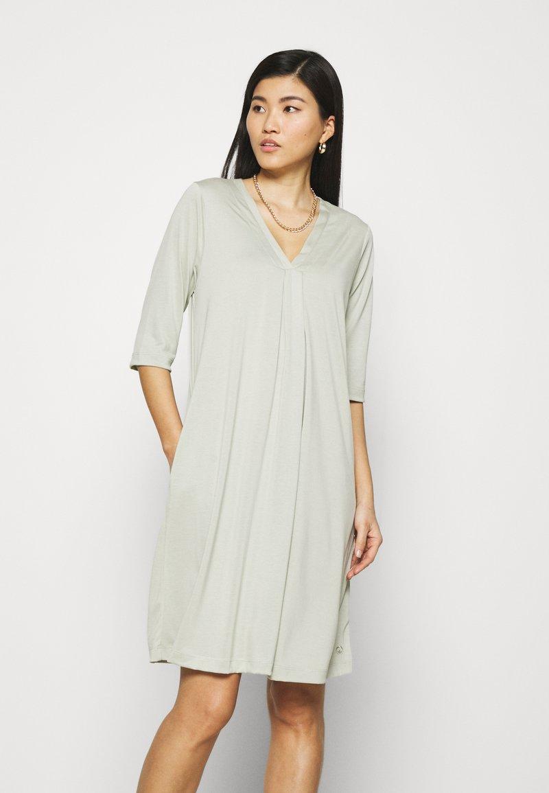 Cream - MODALA DRESS - Sukienka z dżerseju - desert sage
