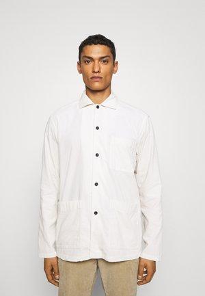 REGULAR FIT CORDUROY OVERSHIRT - Summer jacket - white