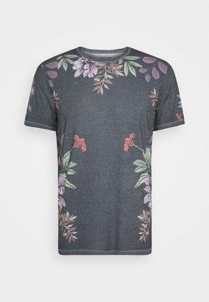 JORDANIEL TEE CREW NECK - Print T-shirt - dark blue