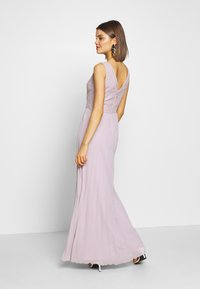 Chi Chi London - SUVI DRESS - Ballkjole - lilac - 2
