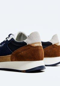 Pepe Jeans - SLAB SUMMER - Sneakers - cognac - 4