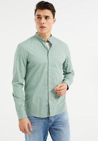 WE Fashion - SLIM FIT  - Shirt - mint green - 0
