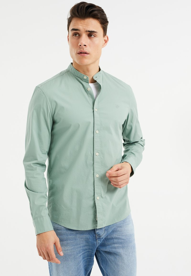 WE Fashion - SLIM FIT  - Shirt - mint green