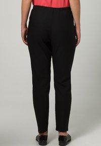 DORIS STREICH - Trousers - schwarz - 4