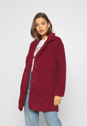 Short coat - pomegranate