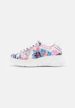 SHOES - Sneakers basse - glicine/celeste