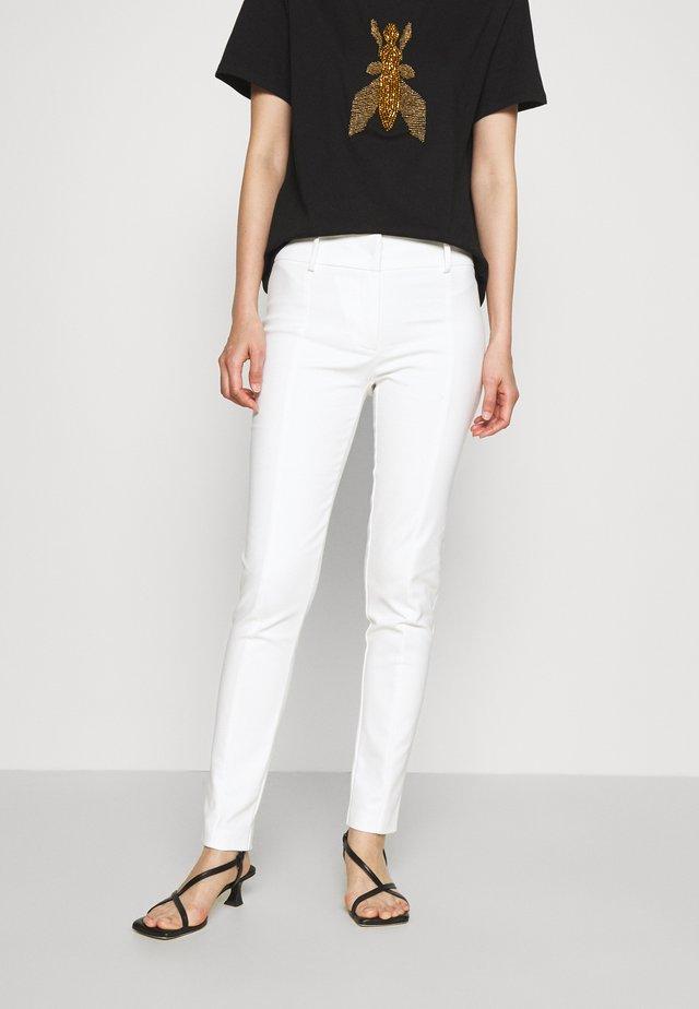 PANTS - Spodnie materiałowe - bianco