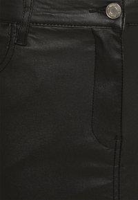 Missguided Tall - COATED FRONT SPLIT SKIRT - Pencil skirt - black - 2