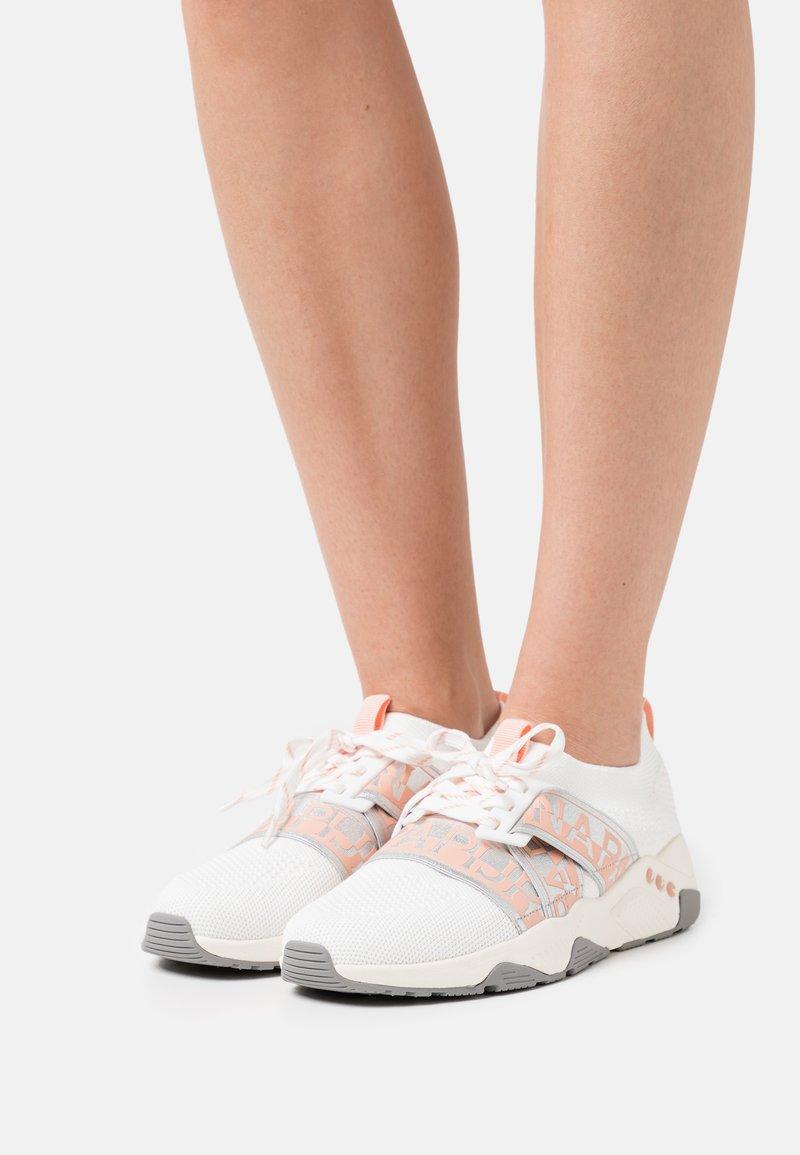 Napapijri - LEAF - Sneakersy niskie - bright white