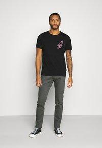 Diesel - D-YENNOX - Slim fit jeans - 009HA 90d - 1