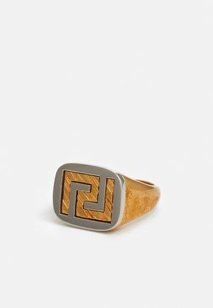 Ringar - oro tribute/palladio