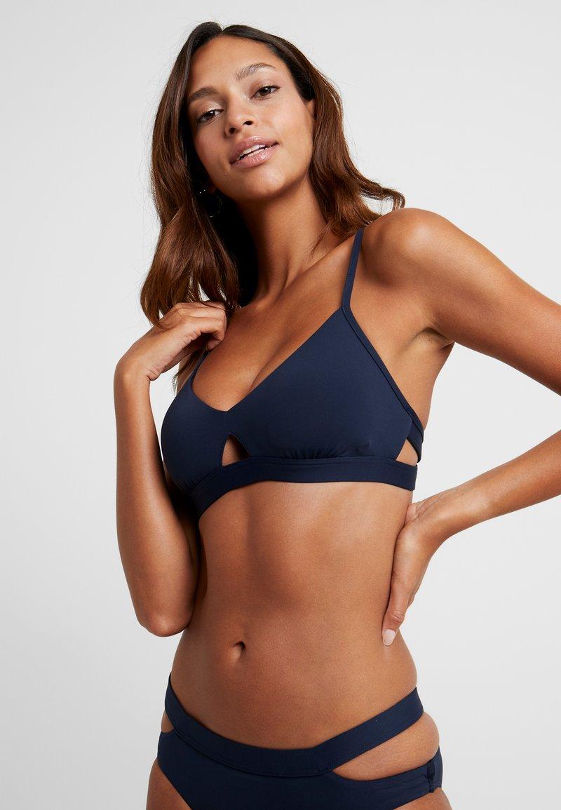 Seafolly - ACTIVE HYBRID BRALETTE - Bikini top - indigo