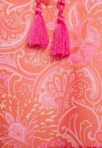 Never Fully Dressed Petite - SHEER PAISLEY MIDAXI DRESS - Robe d'été - pink - 2