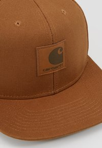 Carhartt WIP - LOGO - Kšiltovka - brown - 6