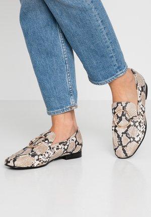 GIZI - Nazouvací boty - beige