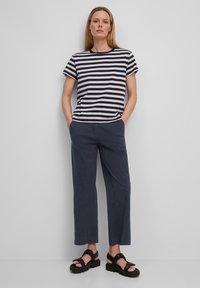 Marc O'Polo - Pantalon classique - midnight blue - 1