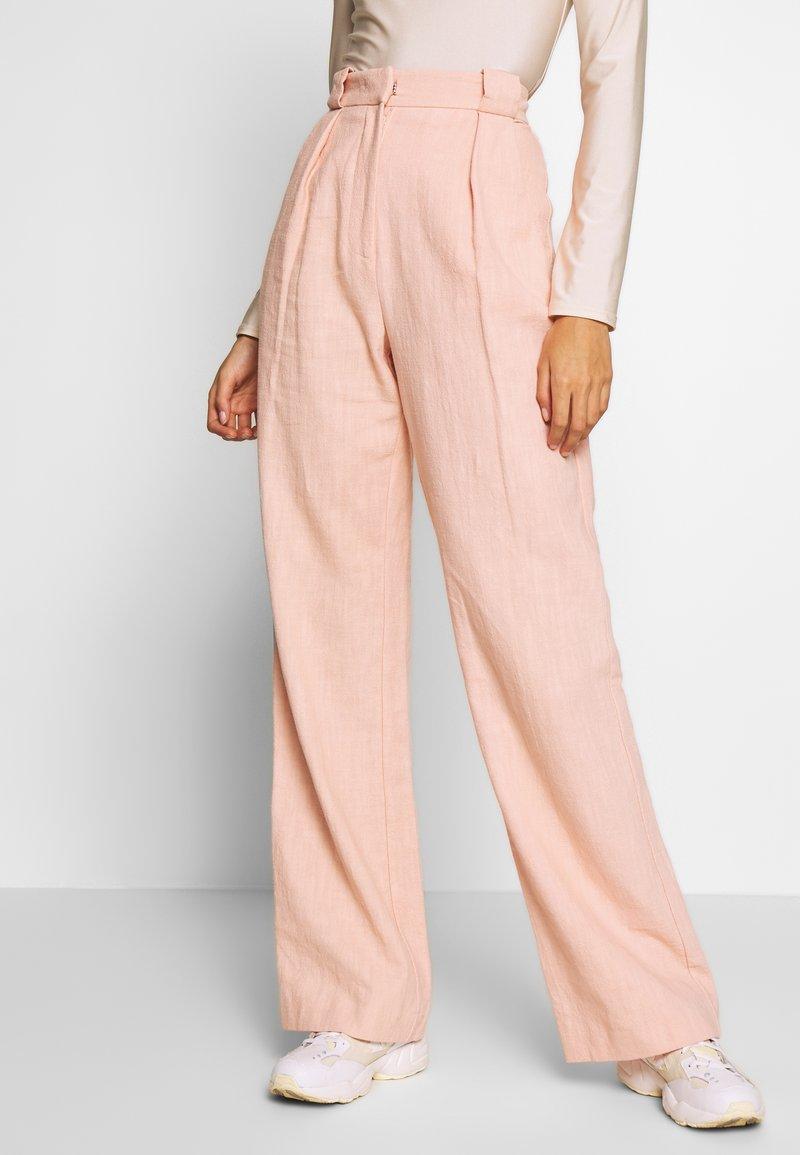 Bec & Bridge - CLUB PANT - Kalhoty - peach