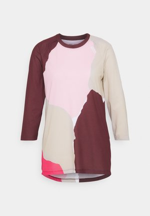 PURE 3/4 - Long sleeved top - red