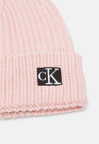 Calvin Klein Jeans - MODERN ESSENTIALS BEANIE UNISEX - Bonnet - pink - 2