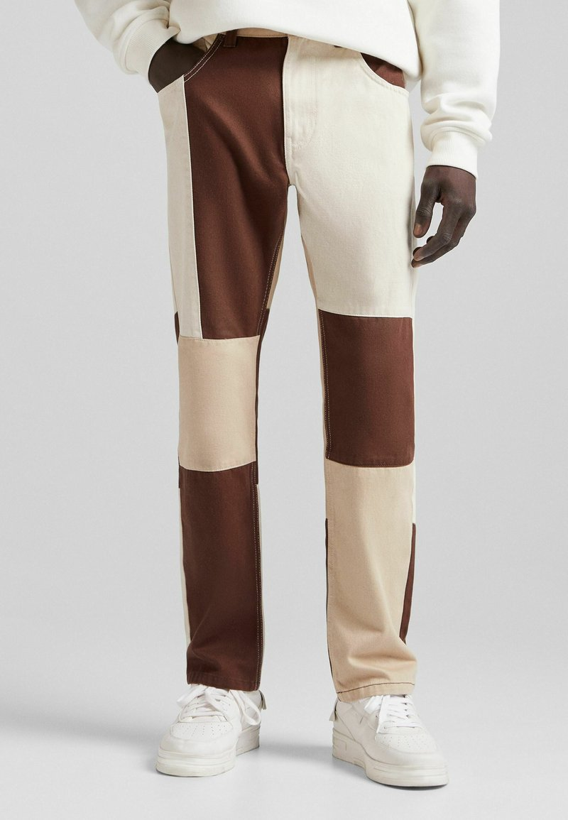 Bershka - Jeans straight leg - brown
