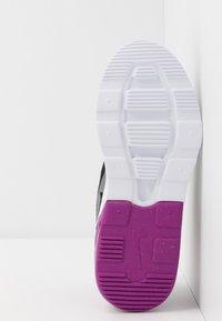 Nike Sportswear - AIR MAX MOTION 2 - Loafers - black/hyper violet/gunsmoke/aurora green - 5