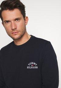 Tommy Hilfiger - BASIC EMBROIDERED - Sweatshirt - blue - 3