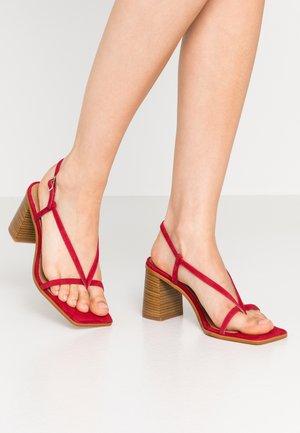 PASION - T-bar sandals - ciclamen arab