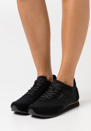 SIGNE - Sneakers - black