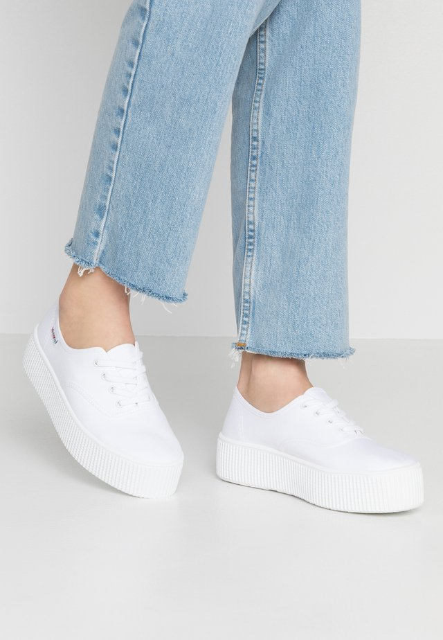 DOBLE LONA - Sneakers laag - blanco