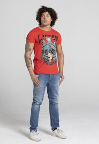 Liger - LIMITED TO 360 PIECES - ERYC WHY - AMSTERDAM - Print T-shirt - red - 1