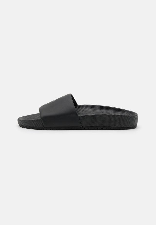 CAYSON - Pantofle - black
