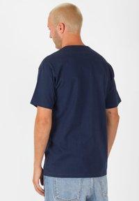 Vans - OFF THE WALL CLASSIC - Shirt - dress blues - 2