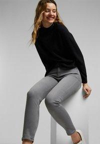 Esprit - Slim fit jeans - grey medium washed - 7