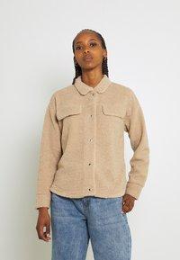 Pieces - PCCARMELLO JACKET  - Summer jacket - silver mink - 0
