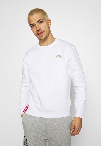 BASIC SMALL LOGO FOIL - Sweatshirt - white/gold