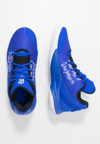 Nike Performance - KYRIE FLYTRAP II - Basketball shoes - blue - 1