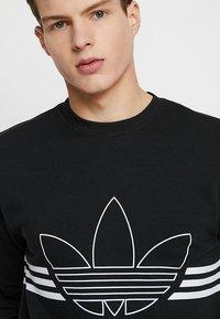 adidas Originals - OUTLINE PULLOVER - Collegepaita - black - 3