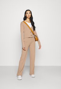 Nly by Nelly - BUTTON CARDIGAN SET - Kardigan - beige - 1